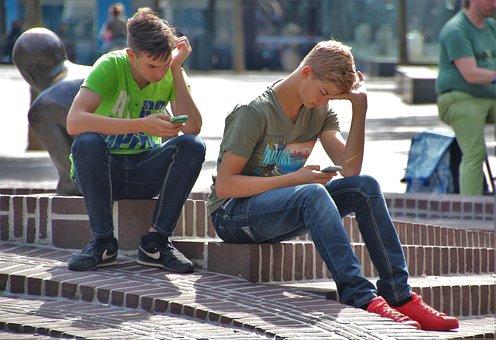 La Sociedad Adolescente